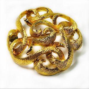 Lisner Brooch Pin Goldtone Swirls Domed Vintage